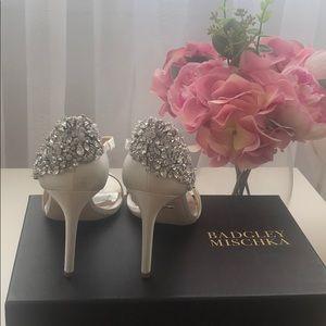 Badgley Mischka Heels White 6.5